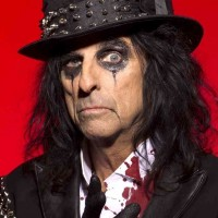 Alice Cooper - Plays Golf