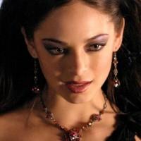Kristin Kreuk ( Smallville )