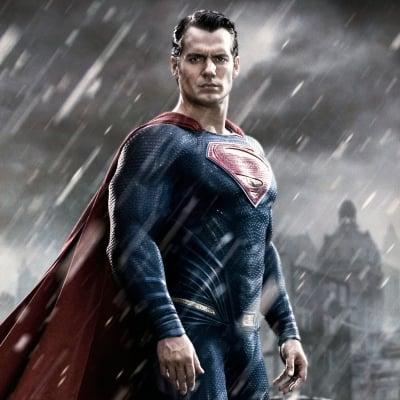 10 супергероев