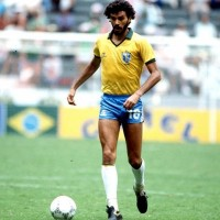 Sócrates was a two-footed player