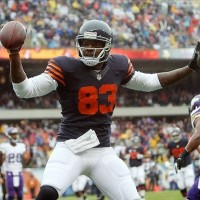 Martellus Bennett will have less than 100 Yds, No Td's